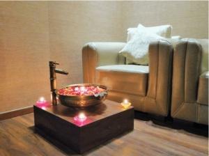White-N-Bright-Spa-And-Salon-Massage-Spa-in-Thane-3